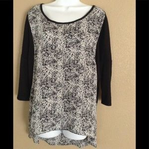 Maurice's, HiLow Blouse XL Mid Sleeve Black Print